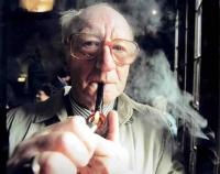 Lordul Taylor de Gryfe fumand pipa de Ziua Nationala a Nefumatorilor