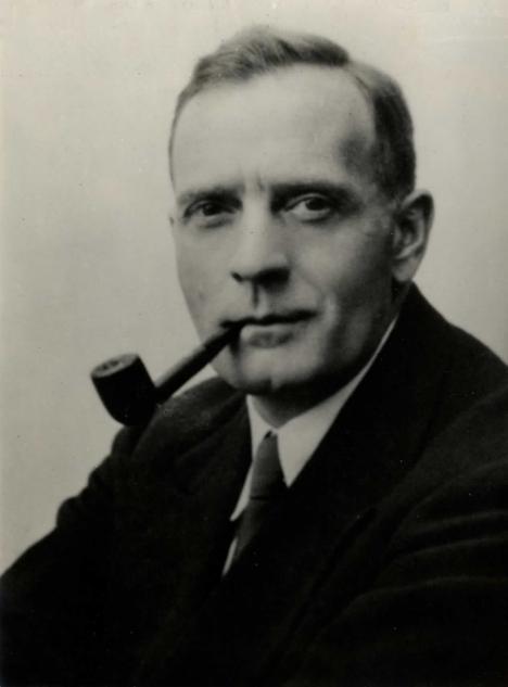 Edwin Powell Hubble, portet nedatat