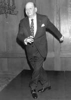 Lordul Grade dansand Charleston